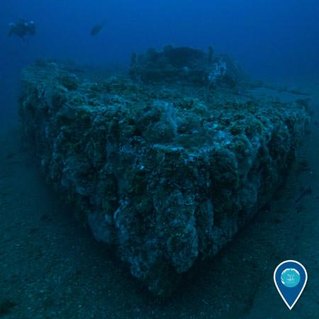 wreck of the uss monitor resting on the ocean floor