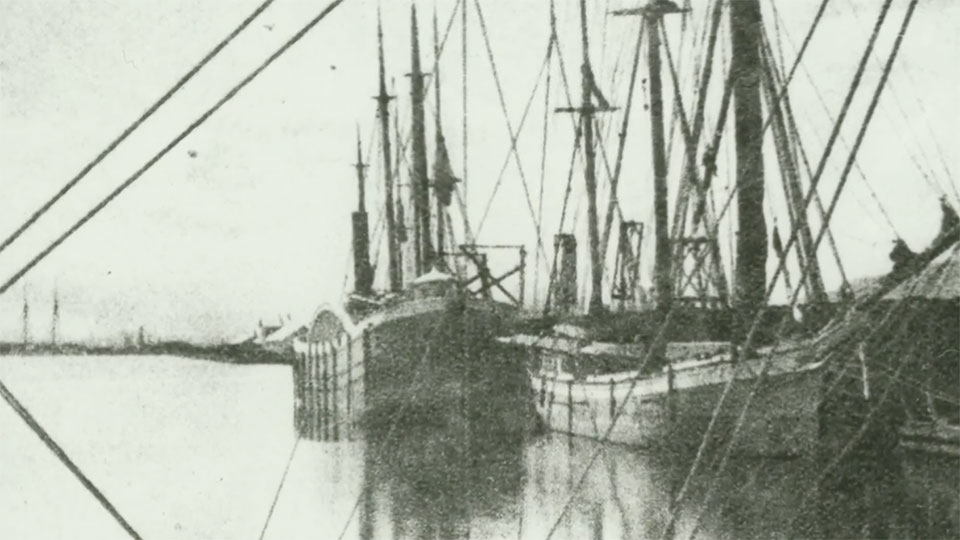 Old photo of a ship