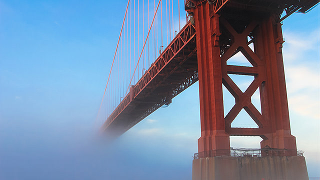 golden gate bridge on a foggy day