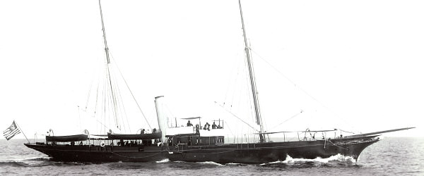 Ituna as a luxury steam yacht, underway at sea