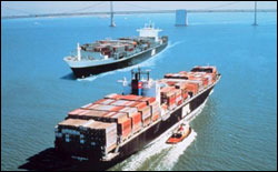 Figure 19. Cargo ships transporting goods through San Francisco Bay. (Photo: NOAA)