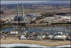 Figure 21. The power plant in Moss Landing contains a desalination plant that produces fresh water for use in the power production process. Photo: California Coastal Records Project http://www.californiacoastline.org
