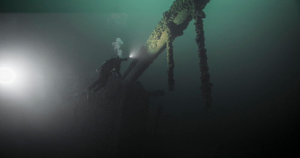 A dive shines a light on a shipwreck