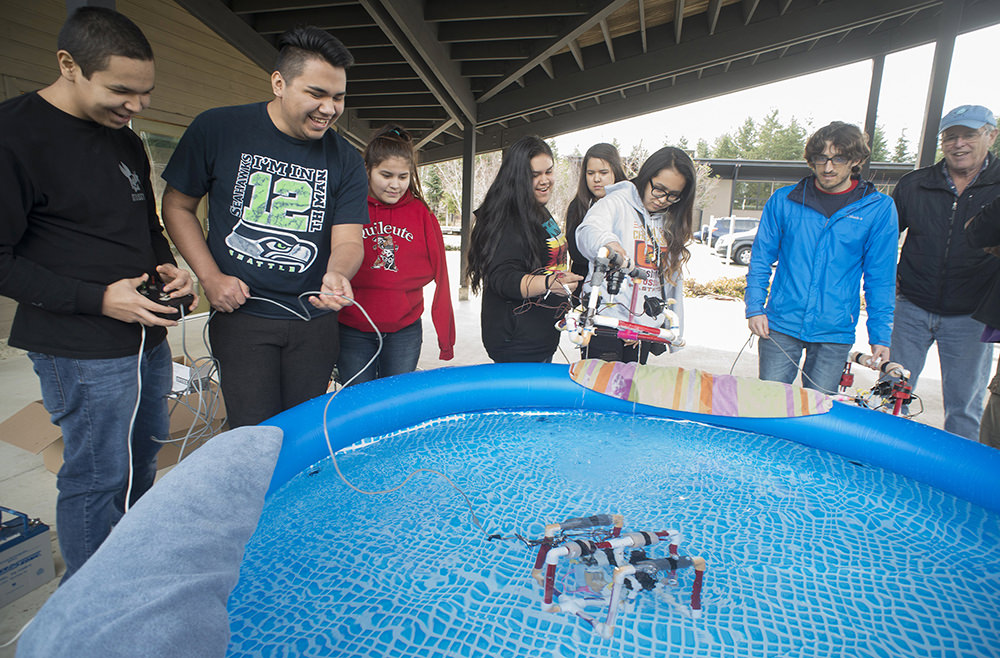 students testing an rov