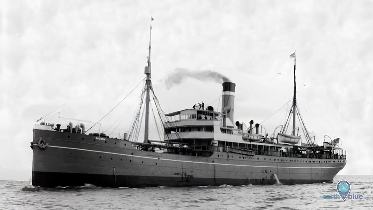 Black and white photo of uss cuba